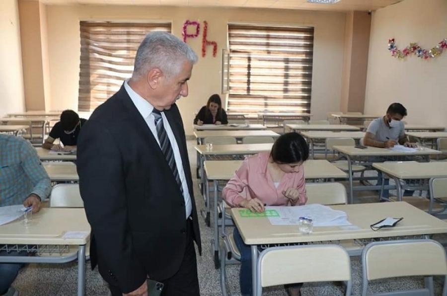 باشراف رئيس جامعة كركوك...  كلية الصيدلة تجري امتحان معادلة شهادة الصيدلة من الجامعات الأجنبية