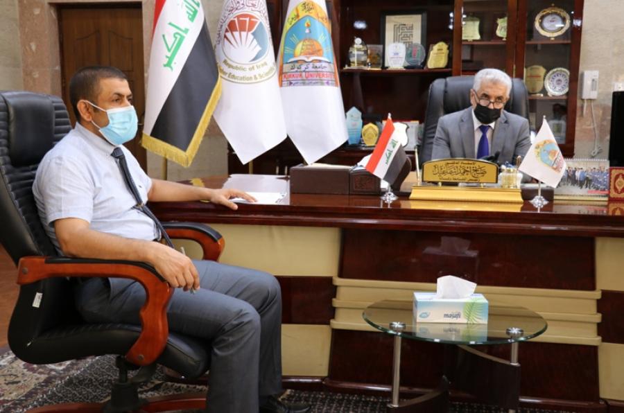 رئيس الجامعة يتابع مع مساعده الإداري وقسم الاعمار والمشاريع انجاز مجمع الأقسام الداخلية النموذجي