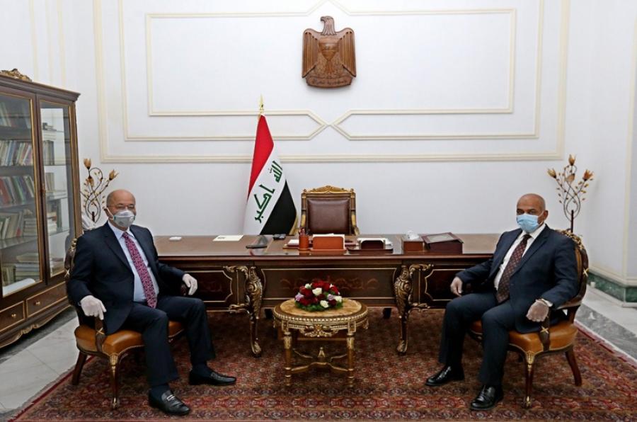 رئيس الجمهورية يستقبل وزير التعليم العالي والبحث العلمي الدكتور نبيل كاظم عبد الصاحب