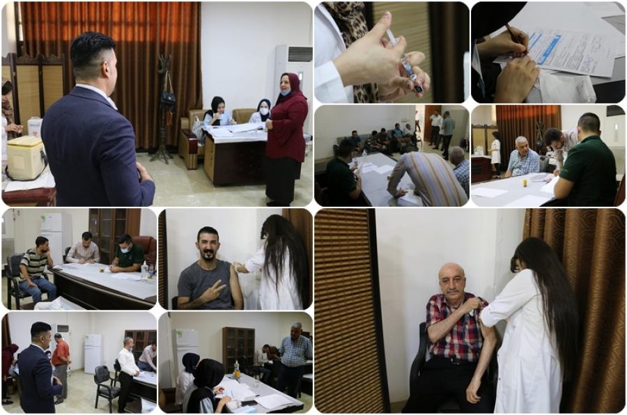 في اليوم الثاني لافتتاح المنفذ الصحي ... استمرار توافد المنتسبين من اساتذة وطلبة لأخذ جرعات التطعيم ضد فايروس كورونا (covid19) ، المستجد