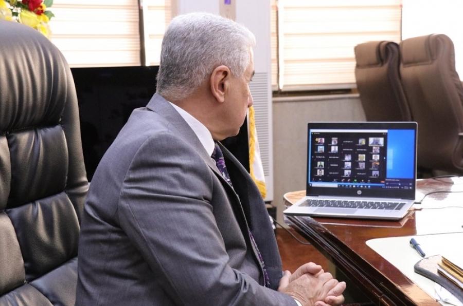 رئيس الجامعة يتابع سير الامتحانات الالكترونية لطلبة الدراسة الاولية