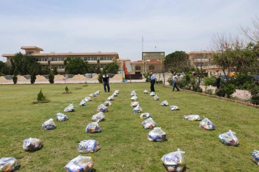 مديرية الاقسام الداخلية بجامعة كركوك توزع مساعدات غذائية للعوائل المتعففة