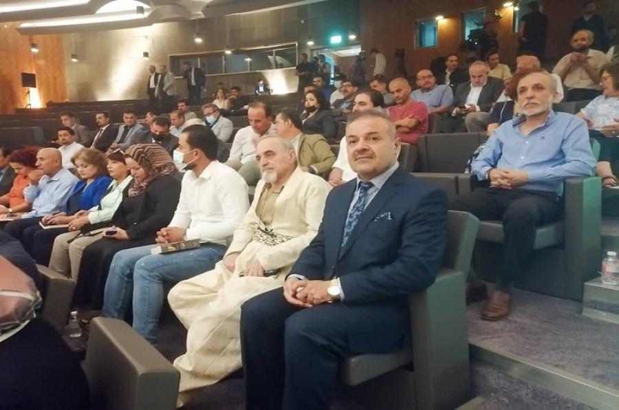 عميد كلية الآداب يشارك في مؤتمر القمة الثقافي بمدينة السليمانية
